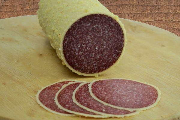 Salami mit Käserand